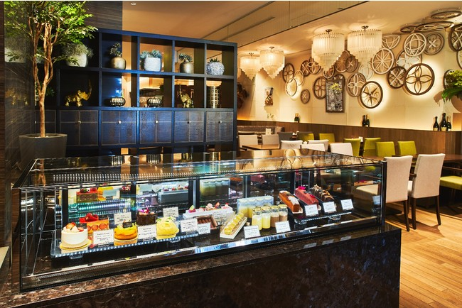 ザ ストリングス 表参道1階「Cafe & Dining ZelkovA」(カフェ&ダイニング ゼルコヴァ)」ケーキブティックをオープン!
